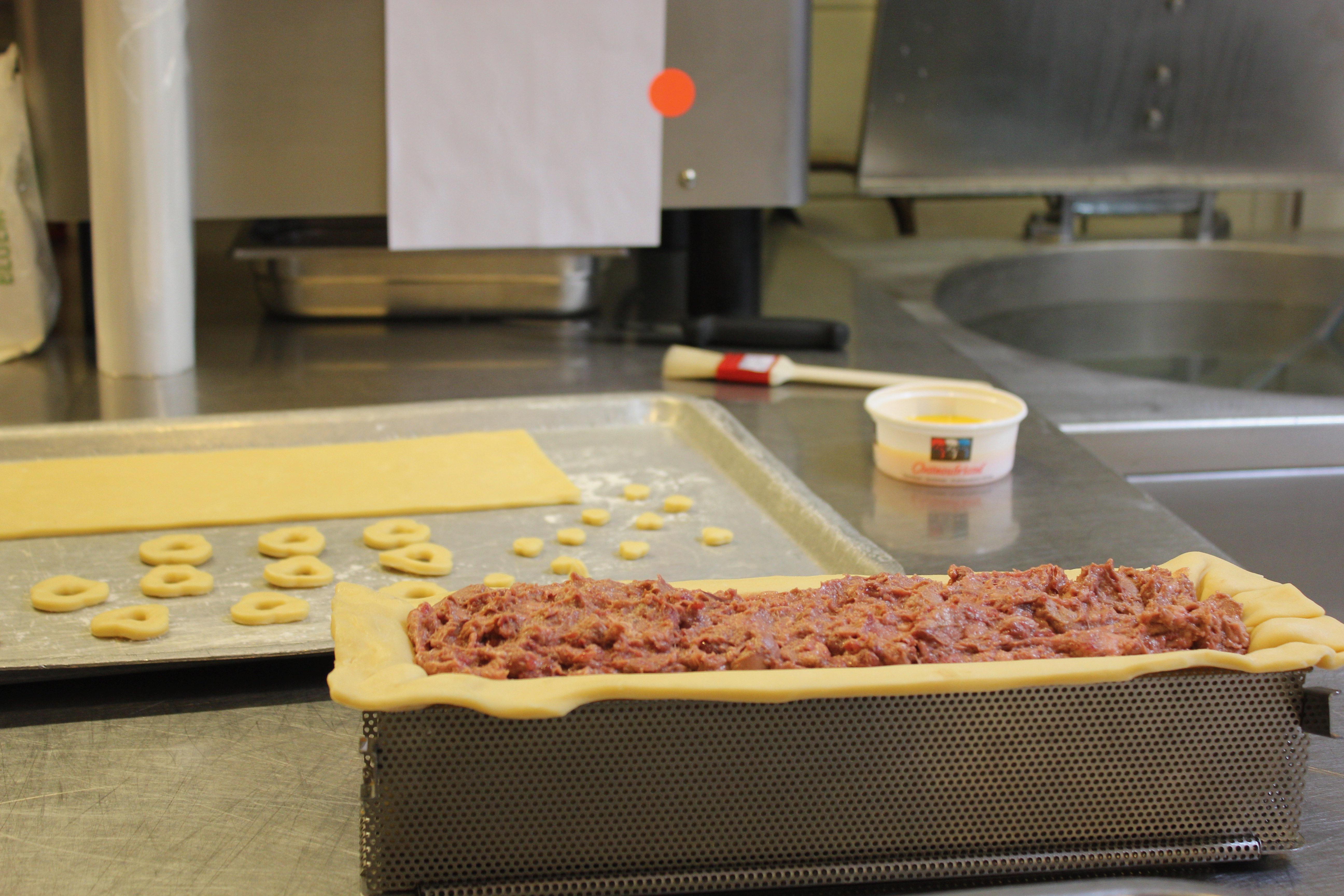master butcher johan van uden &quot;width =&quot; 5184 &quot;height = &quot;3456&quot; /&gt; </figure> <p> With admiration we watch Johan passionately make a classic <em> paté and croûte </em> and <em> jambon persillé </em>. </p> <figure class=