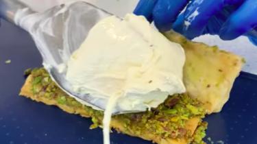ijssandwich met baklava in california