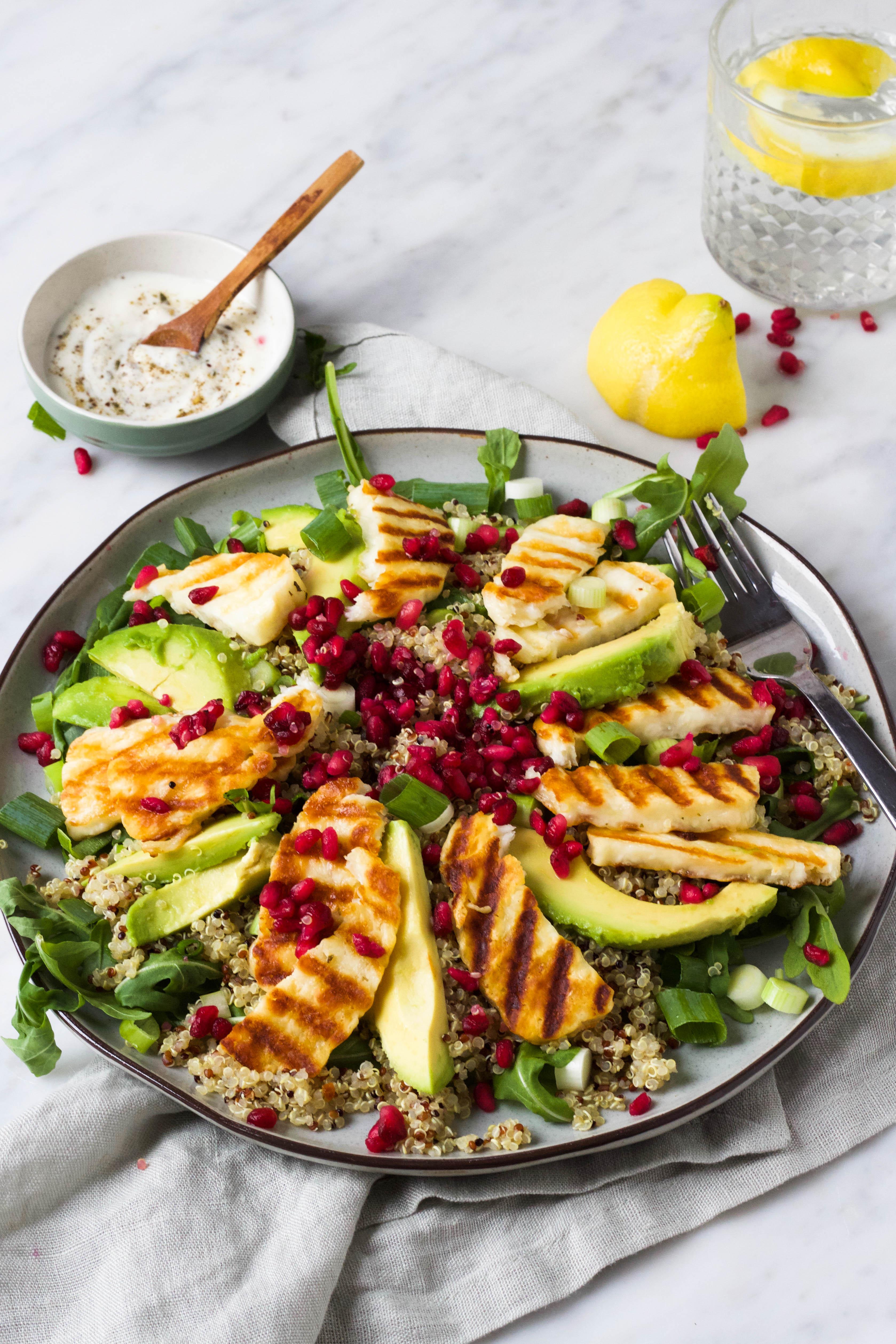salade met quinoa en halloumi
