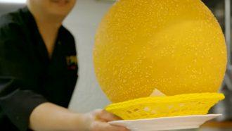 Afbeelding gigantische rijstballen uit Japan