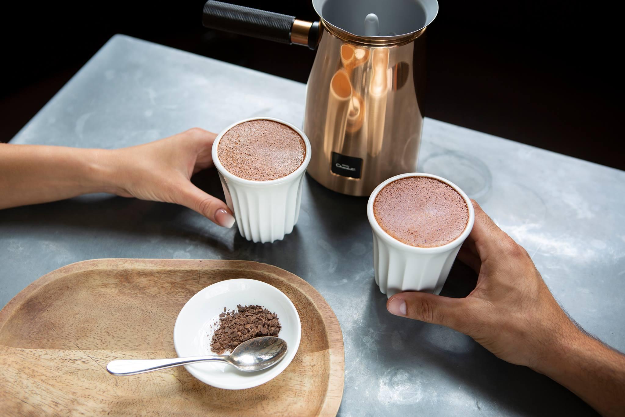 Warme chocolademelk uit de Velvetiser