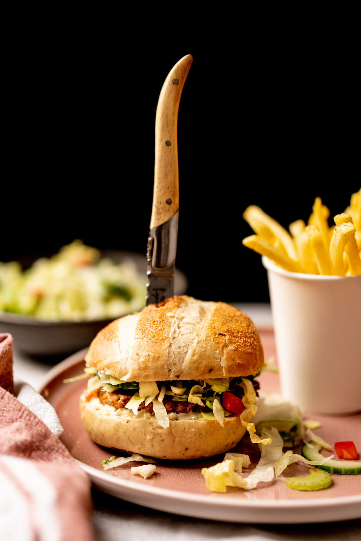 Vegetarische burger met friet