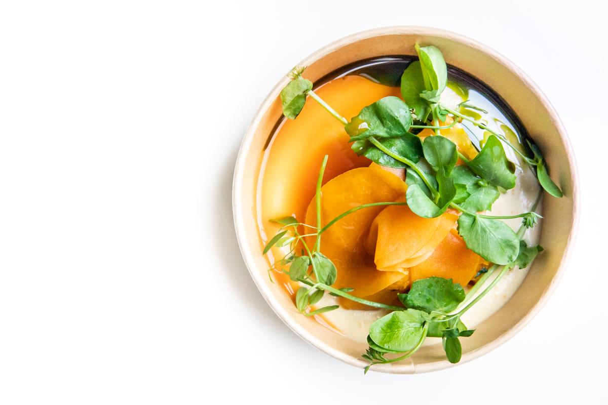 Pompoen met amandel, sinaasappel en salie-olie