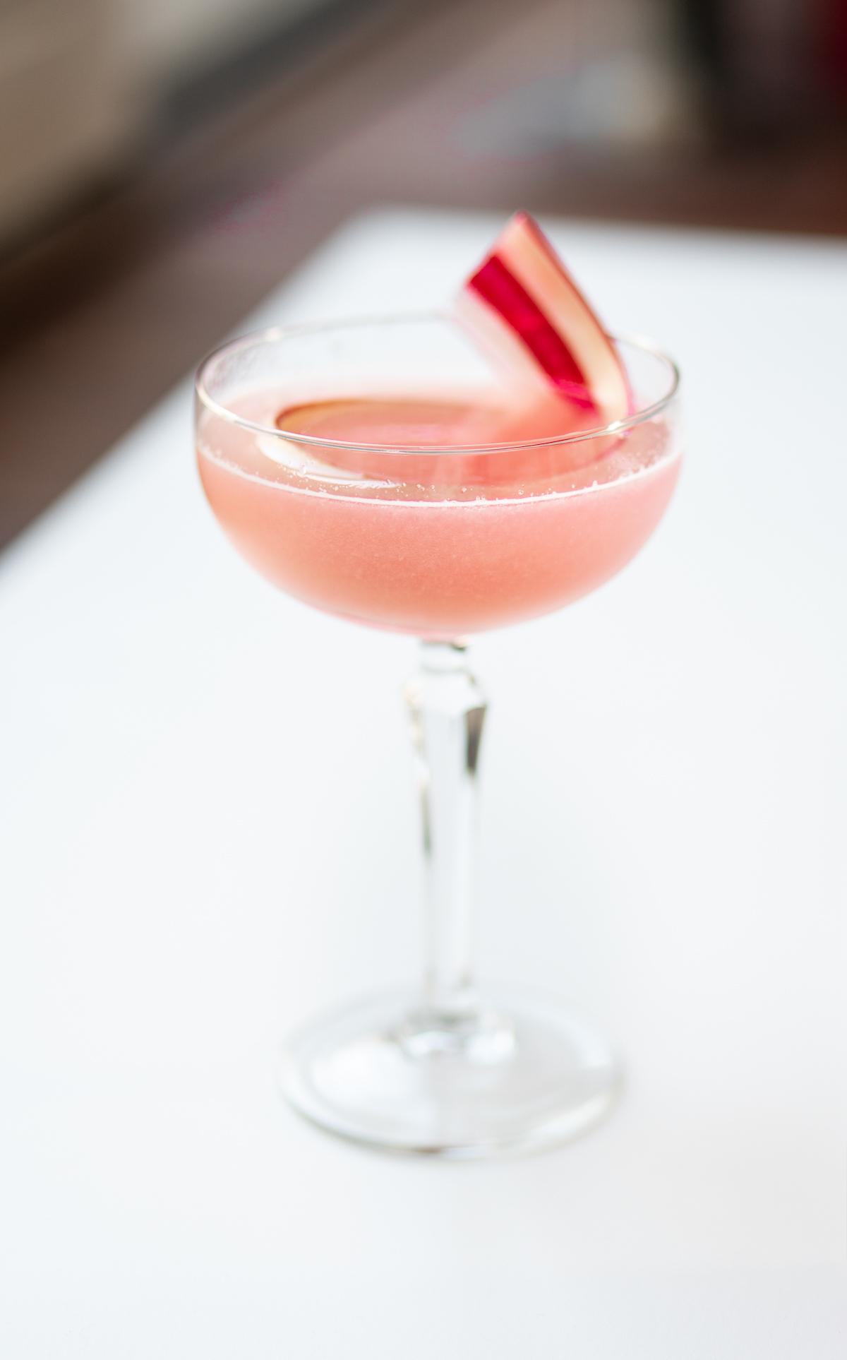 rhubarb collins als voorbeeld van de lekkerste cocktails