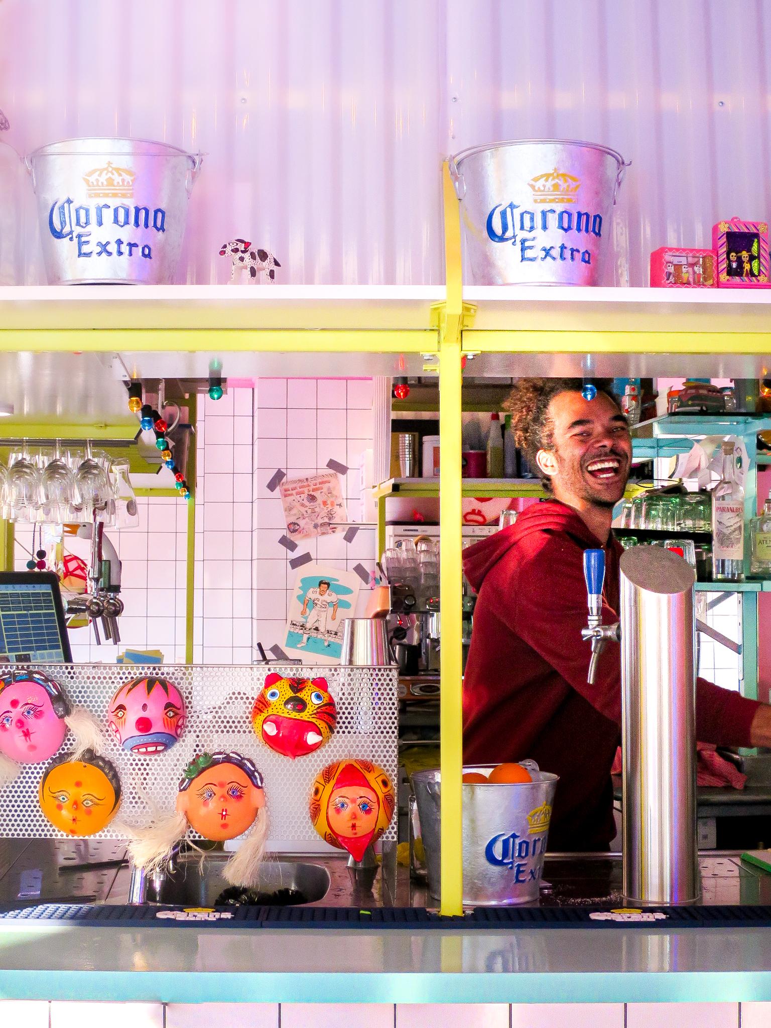 barman bij Local Dealer