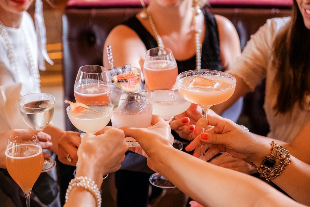 Alle soorten cocktailglazen op een rij en welke de moeite waard zijn om aan te schaffen