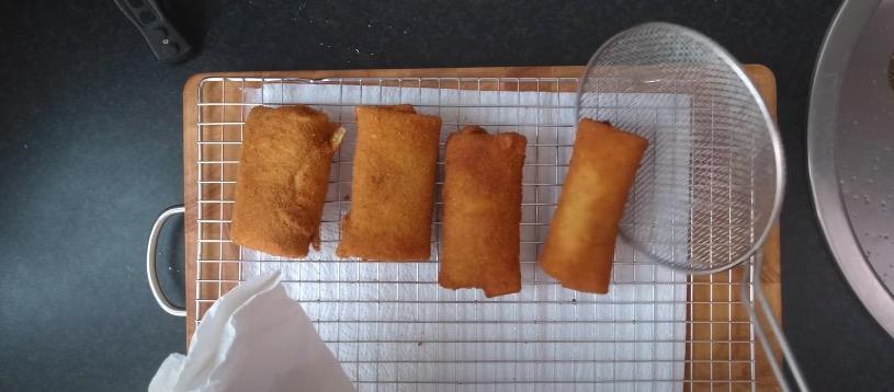 Zo maak je zelf risolles, de heerlijke Indo snack – Culy.nl